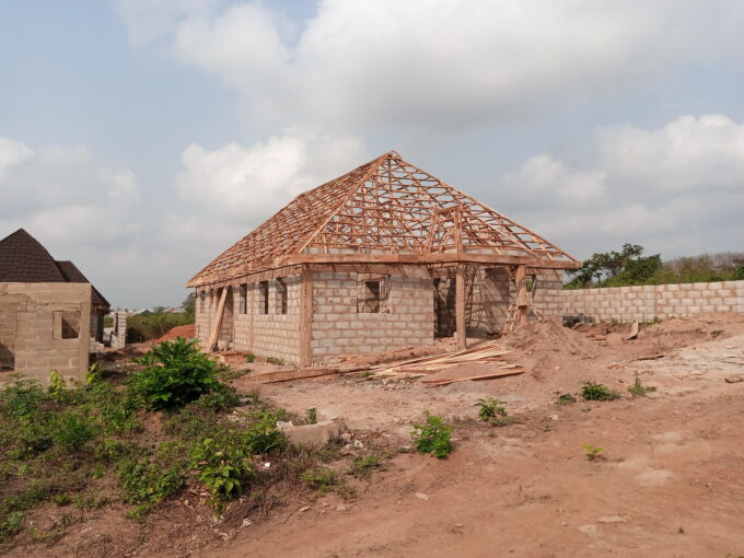4 PLOT OF LAND AVAILABLE AT ILE-OLA IGBO-OLOYIN